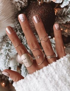 Winter Nails Winter Nails Mayra mayraasaanchez N a i l s Nail Inspo Our chic Favorite Quote Ring features nbsp hellip Valentine treats quotes short Stylish Nails, Trendy Nails, Cute Nails, Cute Fall Nails, Pretty Gel Nails, Pretty Short Nails, Cute Simple Nails, Short Nail Designs, Fall Nail Designs