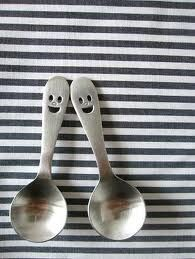 Set of happy spoons Dont Forget To Smile, Don't Forget, Objet Deco Design, Loli Kawaii, Inventions, Kitchen Dining, Spoon, Best Gifts, Tableware