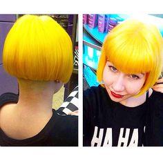 Happy new hair on Amy! Yellow is my absolute favourite haircolour! #makeover #yellowhair #bob #brighthair #bleach #ditections #brightdaffodil #apricot #bangs #kinkikappers #kinkiovertoom #cutie #haha #yellowisthenewblack #hairdye #haircolour #hairdresser #cut @kinkikappers