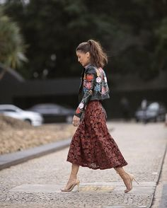 60 Great and Eclectic Style Spring Outfit Ideas From Fashionistas All Around The… Spring Fashion, Girl Fashion, Fashion Outfits, Fashion Design, Fashion Trends, Fashion Bloggers, Look Camila Coelho, Spring Outfits, Trendy Outfits