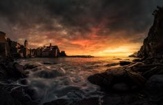 Dark Side of Vernazza - www.lucabeniniphotography.com