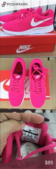 new arrival cc642 2e0c3 NIKE WOMENS vivid pink athletic shoes Sz 7.5 new NIKE WOMENS vivid pink  athletic shoes Sz