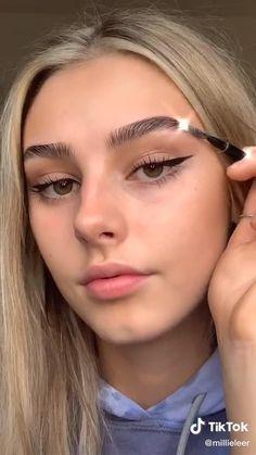 Eyebrow Makeup Tips, Makeup Tutorial Eyeliner, Edgy Makeup, Makeup Looks Tutorial, Makeup Eye Looks, Creative Makeup Looks, Natural Makeup Looks, Cute Makeup, Pretty Makeup