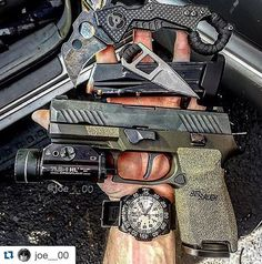 Sig Sauer P320 and gadgets