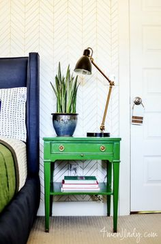 Painted nightstand. http://4men1lady.com