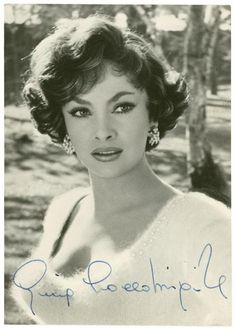 Gina Lollobrigida italian actress : I was named after her, Just wish I looked like her; Hollywood Icons, Old Hollywood Glamour, Vintage Hollywood, Hollywood Stars, Hollywood Actresses, Classic Hollywood, Gina Lollobrigida, Vintage Beauty, Vintage Glamour