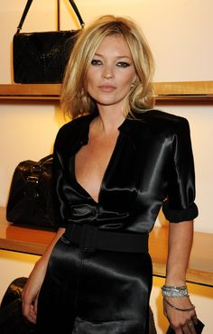 Kate Moss - Women look, Fashion and Style Ideas and Inspiration, Dress and Skirt Look Moss Fashion, Fashion Tips, Style Fashion, Fashion 2017, Fashion Boots, Fashion Trends, Studio 54 Fashion, Kate Moss Stil, Looks Style