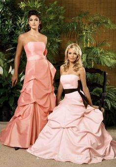 Concise Beaded A-Line Knee-length Halter Bridesmaid Dress at Storedress.com