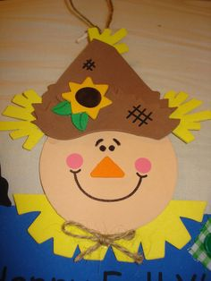 Happy Fall YAll handmade foam sign with scarecrow - Thanksgiving Crafts For Kids, Halloween Crafts For Kids, Holiday Crafts, Autumn Crafts For Kids, Fall Crafts For Preschoolers, Fall Crafts For Toddlers, Fall Preschool, Kindergarten Crafts, Preschool Crafts
