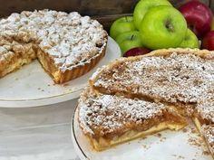 Η εύκολη συνταγή για την μηλόπιτα με κρέμα τυρί και τραγανό crumble είναι πολύ νόστιμη, θα ξετρελαθούν τα παιδιά και όχι μόνο και το κυριότερο, είναι χωρίς μίξερ! Δοκίμασε την! Greek Sweets, Apple Desserts, French Toast, Bread, Dinner, Breakfast, Recipes, Tarts, Food