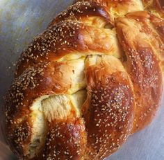 Challah Bread- The Spoonful of Honey Baking Recipes, My Recipes, Favorite Recipes, Popular Recipes, A Food, Food And Drink, Love Food, Beignets, Challah Bread Recipes