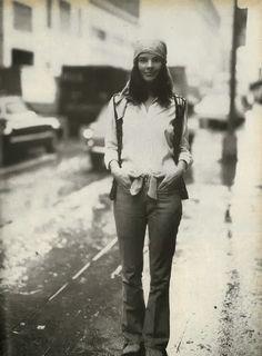 honey-rider: Ali MacGraw by Richard Avedon Vogue US August 1969 Grace Slick, Twiggy, Ali Macgraw Steve Mcqueen, 70s Fashion, Vintage Fashion, Street Fashion, Vintage Style, Vintage Ladies, Divas