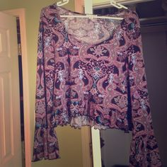High low long sleeve paisley shirt Only worn a few times, super cute on and perfect for fall! The sleeves drape and give it an elegant appearance. Pacsun collection. L.A. HEARTS Tops