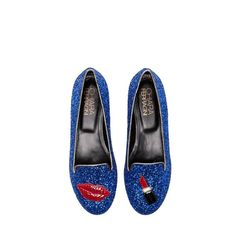 Pin for Later: A Gift Guide For Shoe Addicts Chiara Ferragni Flat Blogger Chiara Ferragni sure loves the glitz and glamour. And that transferred perfectly onto her Lips and Lipstick Flats (£180).