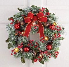 20+ Holiday Wreaths and Garlands You'll Love!