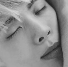 Jonghyun, The first thing I woke up is that... I want to look deep into your eyes.