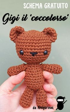 Crochet Bear free amigurumi bear 1 - PATRÓN EN ESPAÑOL SCHEMA IN ITALIANO Thank you for stopping by! I want to share one of my favourite patterns with you: an amigurumi bear, quite little so it can fit in a hand but very cuddly! Crochet Teddy Bear Pattern Free, Teddy Bear Patterns Free, Crochet Patterns Amigurumi, Crochet Dolls, Free Pattern, Crochet Teddy Bears, Cat Amigurumi, Crochet Bags, Small Teddy Bears