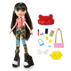 Introducing Bratz® #SelfieSnaps Collection, where the best-friends-for-life show off a new hair style and a selfie- worthy outfit in each of their own unique style. <br><br>Ever the risk-taker, Jade gets blue streaks and killer bangs. Better capture this look with a #SelfieSnaps!<br><br>Doll Features: <br><ul><li>Jade's #SelfieSnaps Style is edgy and fun, inspired by her nickname, #KoolKat. </li><br><li>Sporty outfi...