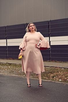 Outfit Archives - Page 5 of 238 - Lu zieht an. Autumn Fashion Curvy, Plus Size Fall Fashion, Curvy Women Fashion, Vestidos Plus Size, Plus Size Dresses, Plus Size Outfits, Power Dressing, Curvy Outfits, Fashion Outfits
