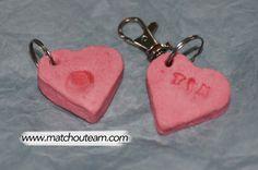 Porte-clefs souvenir       Une empreinte d'index grav�...  �Le petit cadeau qui fait craquer les parents