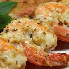Grilled shrimp dish - a great inspiration for happy moments with family in the autumn dinner. It is also perfect for small parties or gatherings, picnics. A collection of 24 best delicious grilled shrimp recipes are here. With these grilled shrimp re Shrimp Dishes, Fish Dishes, Main Dishes, Shrimp Meals, Seafood Meals, Grilling Recipes, Seafood Recipes, Cooking Recipes, Shrimp Recipes For Dinner