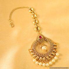 Gold Jewelry Design In India Tika Jewelry, Labret Jewelry, India Jewelry, Temple Jewellery, Gold Jewelry, Jewelry Box, Indian Wedding Jewelry, Bridal Jewelry, Indian Earrings