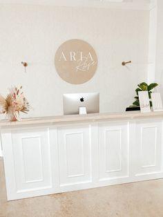 Yoga Studio Design, Spa Design, Salon Design, Ideas De Boutique, Spa Room Decor, Hair Salon Interior, Coral Gables, Boutique Interior Design, Beauty Salon Decor