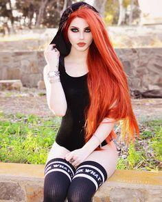 Model: Dayana Crunk pastel goth pastel hair goth goth girl goth fashion g Dark Beauty, Goth Beauty, Hot Goth Girls, Punk Girls, Beautiful Redhead, Beautiful People, Hipster Goth, Emo Goth, Pin Up
