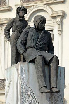 Statue d'Antoine de Saint-Exupéry et du petit prince, Christiane Guillaubey, place Bellecour à Lyon