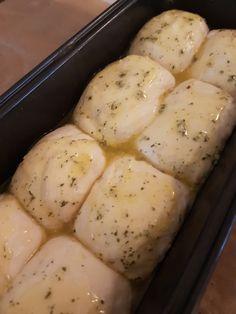 Hvitløkbrød – Fru Haaland Norwegian Food, Norwegian Recipes, Sweet And Salty, Sugar And Spice, No Bake Cake, Baguette, Nom Nom, Food And Drink, Potatoes