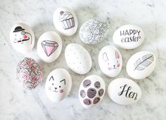pretty floral, cats and pattern Ostern Party, Diy Ostern, Ostern Wallpaper, Diy Osterschmuck, Cat Egg, Easter Egg Designs, Diy Easter Decorations, Easter Tree, Coloring Easter Eggs