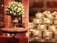 Mesa de doces bem casado casamento (Decoração: Marias e Amélias | Foto: Carolina Cattan)