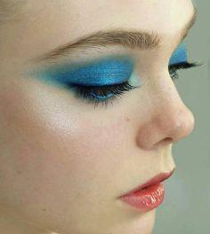 "fanningmaryelle: "" erinayanianmonroe: Makeup Forever Star Powders, MAC Silver Dusk cheekbones, Chanel Glossimer in Mica. Eye Makeup, Makeup Art, Beauty Makeup, Hair Makeup, Makeup Goals, Makeup Inspo, Makeup Inspiration, Elle Fanning, Blaues Make-up"