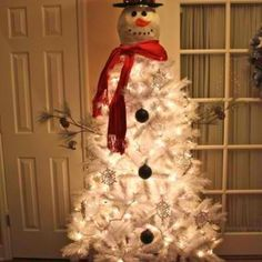 Snowman Christmas tree!! I will be doing this