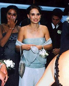 Beautiful Celebs From Their Memorable #Prom At 18