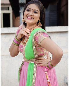 Top 10 Bollywood Actress, Most Beautiful Bollywood Actress, Lehnga Dress, Lehenga, Indian Tops, Indian Navel, Actress Priyanka, Indian Natural Beauty, South Indian Actress Hot