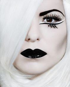 Black lips - White hair