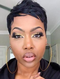 Fall makeup look with golden eyes and neutral lips fro black women. Fall makeup look with golden eyes and neutral lips fro black women. Black Women Short Hairstyles, Easy Hairstyles For Long Hair, My Hairstyle, Straight Hairstyles, Short Relaxed Hairstyles, Party Hairstyles, Wedding Hairstyles, Short Sassy Hair, Short Pixie