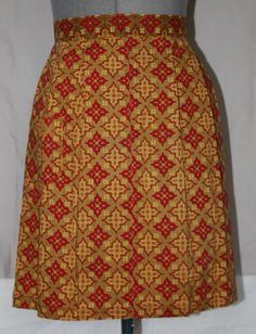 Vintage Apron Pleated Red and Gold Handmade by ilovevintagestuff