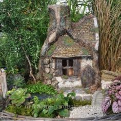 A whole website dedicated to miniature gardening and fairy gardens!