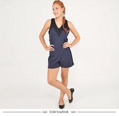 Macaquinho azul marinho com aplicação de renda + Sapatilha preta #moda #look #outfit #ootd #bobstore #macaquinho #renda #shop #lojaonline #ecommerce #lnl #looknowlook