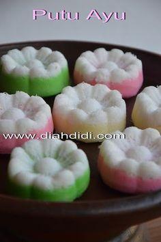 Diah Didi's Kitchen: Putu Ayu Warna Warni