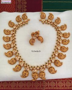 Looking for mango mala designs? Check out amazing traditional antique mango necklace designs and where to shop them! Antique Jewellery Designs, Gold Earrings Designs, Gold Jewellery Design, Necklace Designs, Gold Designs, Gold Jewelry, India Jewelry, Kids Jewelry, Mango Mala Jewellery