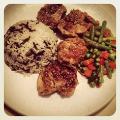 pan-fried pork medallions in white wine and vegetables sauce with wild rice and round beans