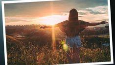 Para saber qué es lo correcto tienes que descubrir qué es la realidad y para eso tienes que apagar el ruido y dejar de dividir la mente. Tú eres único e irrepetible, en ti esta seguir tu intuición, estar en silencio, sigue tu corazón y deja que la fe y la esperanza siempre te rodeen para que cojan el camino correcto, el camino que tu elijas. Rule Of 72, Ocean Backgrounds, Rock Quotes, Debt Snowball, Nature Sounds, Kindness Quotes, Asana, Back Pain, Make You Smile