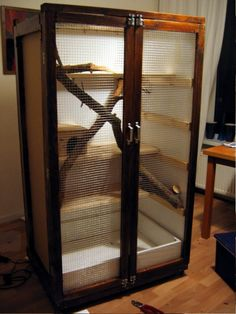 pic only this is a well done hutch, only thing I'd do differently would be to divide the doors to prevent escape Guinea Pig Toys, Guinea Pig Care, Reptile Cage, Reptile Enclosure, Degu Cage, Rabbit Habitat, Chinchilla Cage, Les Rats, Indoor Rabbit