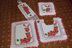Sandra Roque Artesanatos: Jogo banheiro branco  e mescla vermelho retangular...