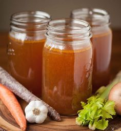 Make your own homemade slow Roasted Beef Broth for the most delicious stock that makes perfect stews, soups, and roasts. I like to call it liquid gold! {Self Proclaimed Foodie} Canning Recipes, Beef Recipes, Soup Recipes, Dinner Recipes, Homemade Beef Broth, Beef Bone Broth, Beef Gravy From Broth, Fondue, Sauces