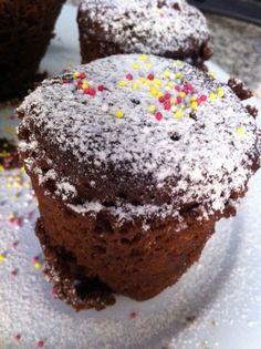 Volcán de chocolate microondas. Ver la receta http://www.mis-recetas.org/recetas/show/33899-volcan-de-chocolate-microondas