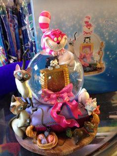Disney Cats Snow Globe w Aristocats Cheshire SI Am Figaro A Picture Spot | eBay